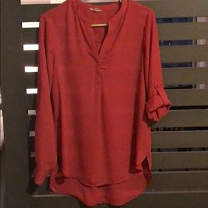 Long sleeved blouse with 3/4 sleeve option